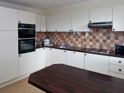 Avoca 3 kitchen - Fitzpatrick Castle self-catering holiday vactations